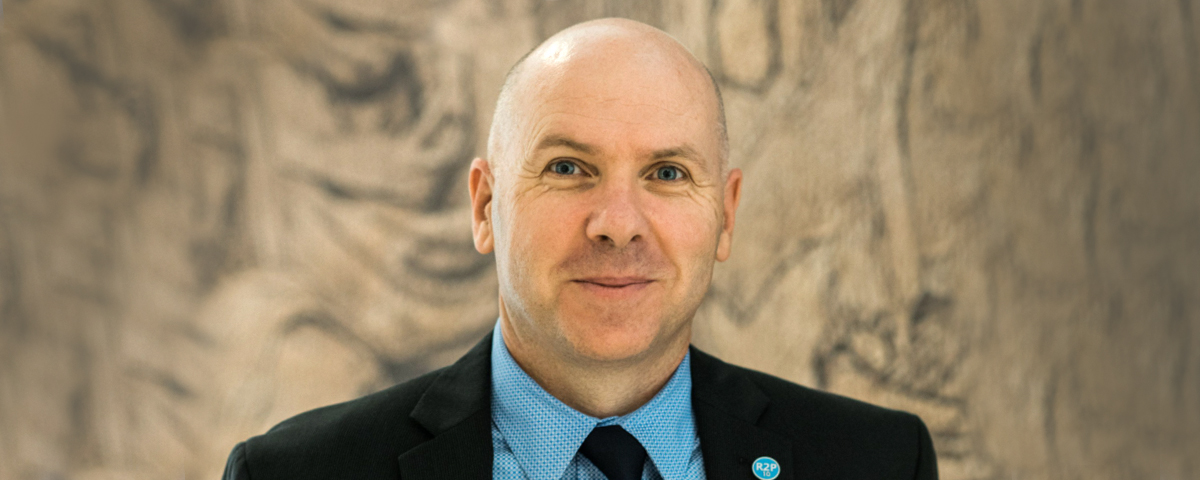 Simon Adams